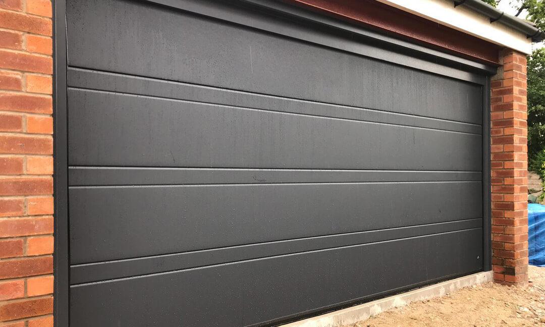 Sectional garage door - Toprib panels