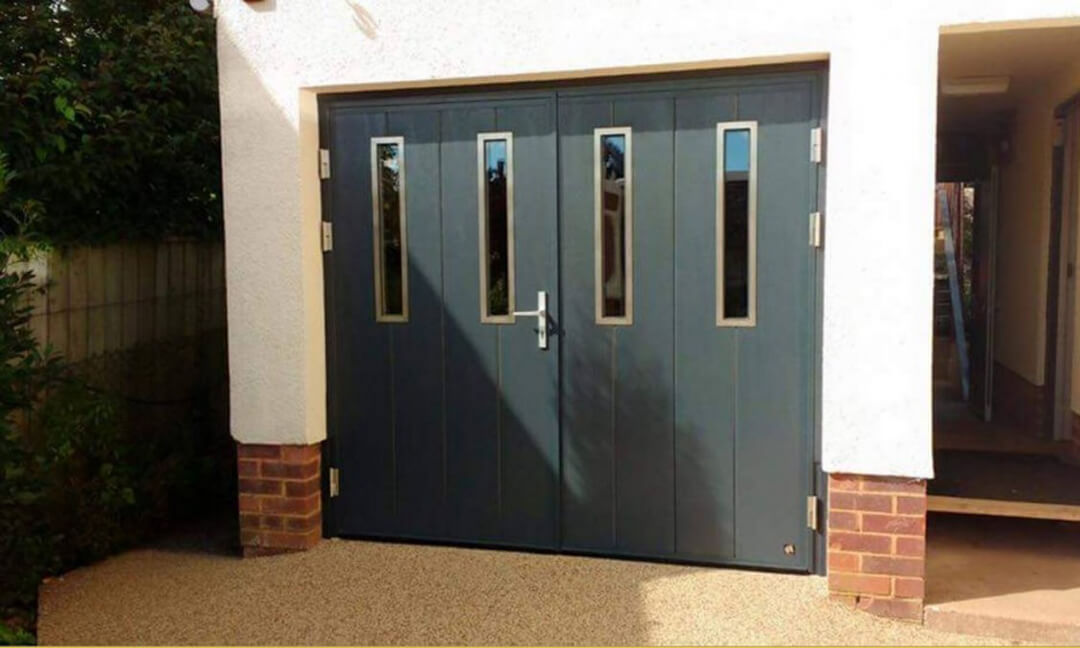 Side-hinged door with oblong windows