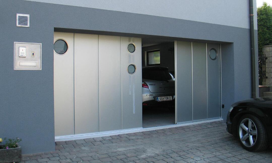 Sliding door with portholes