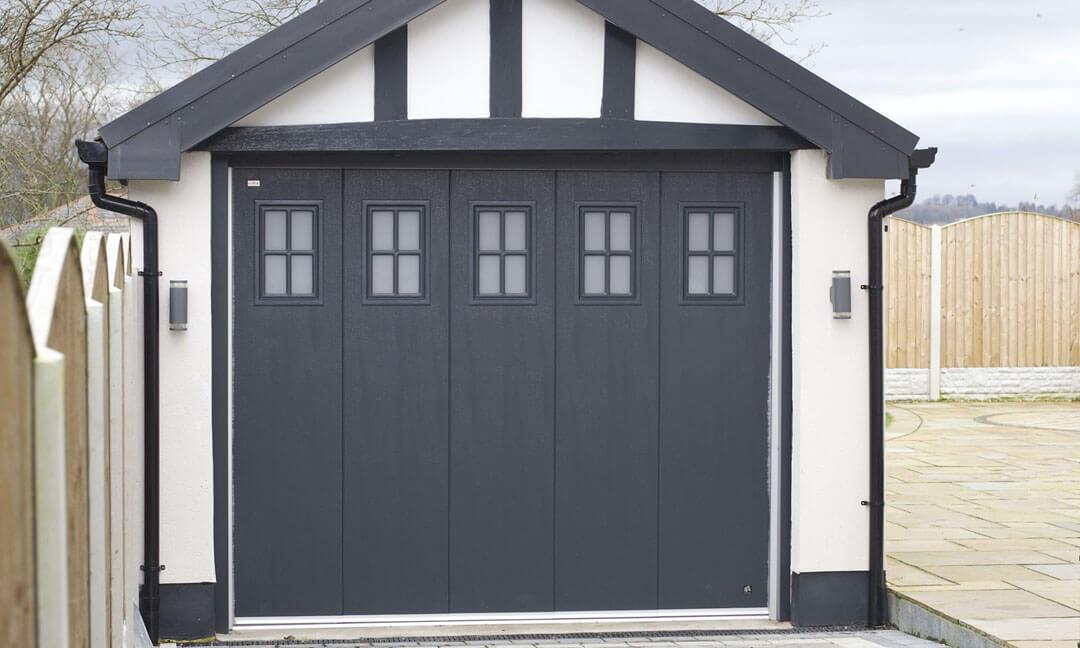 Sliding door with 'cross' windows