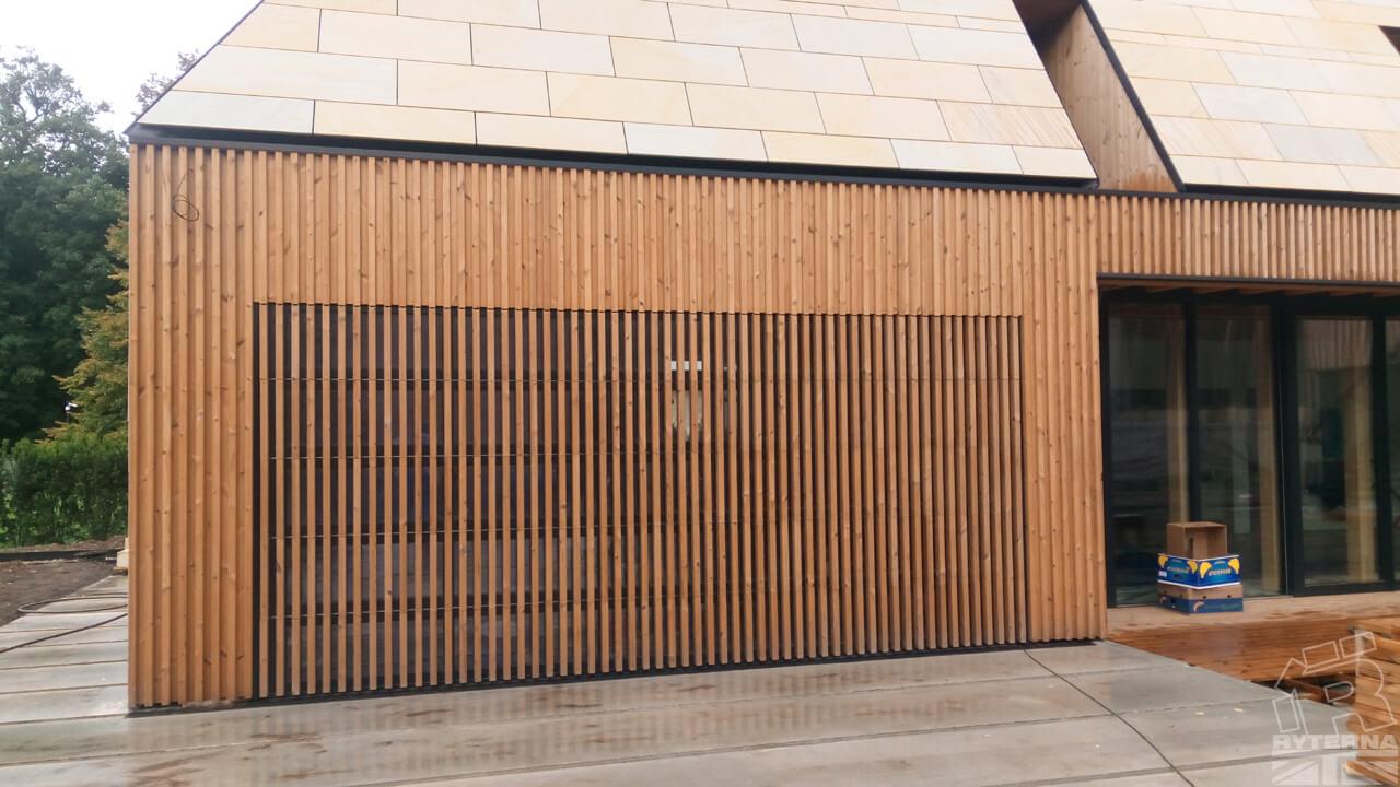 'Louvre' design sectional garage door
