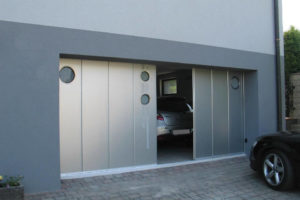 Bi-parting sliding door - custom design