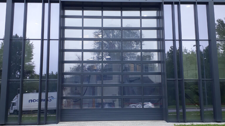 80 mm thick triple glazed sectional door
