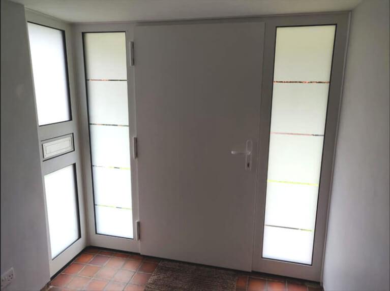 Aluminium door with corner sodelights - from inside